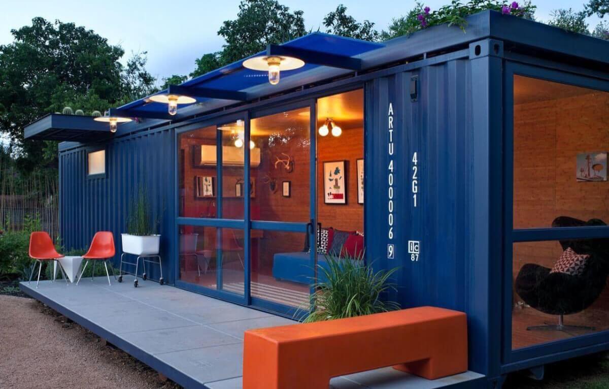 Casa container para hóspedes, de Poteet Architects